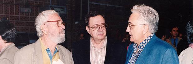 Mariano Ozores, a la derecha, con su hermano Antonio y Luis García Berlanga